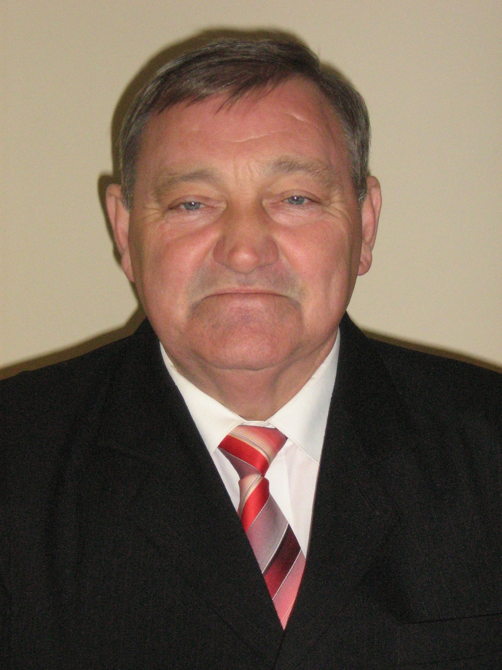 Tilhof István